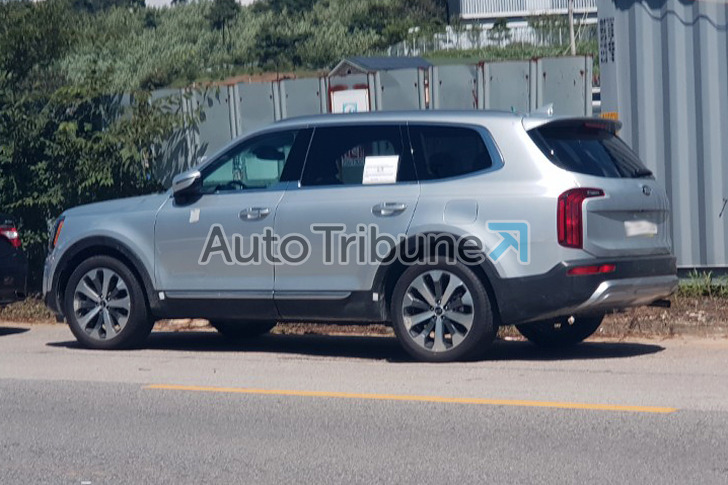 More Pictures of Kia Telluride Completely Undisguised