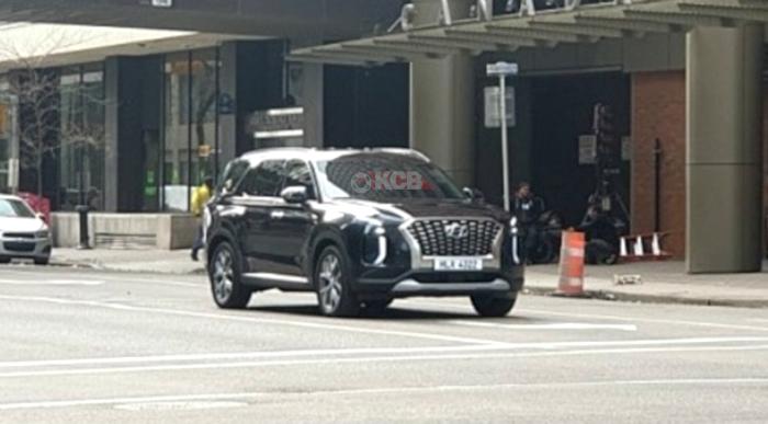 2020 Hyundai Palisade Caught Undisguised During Filming