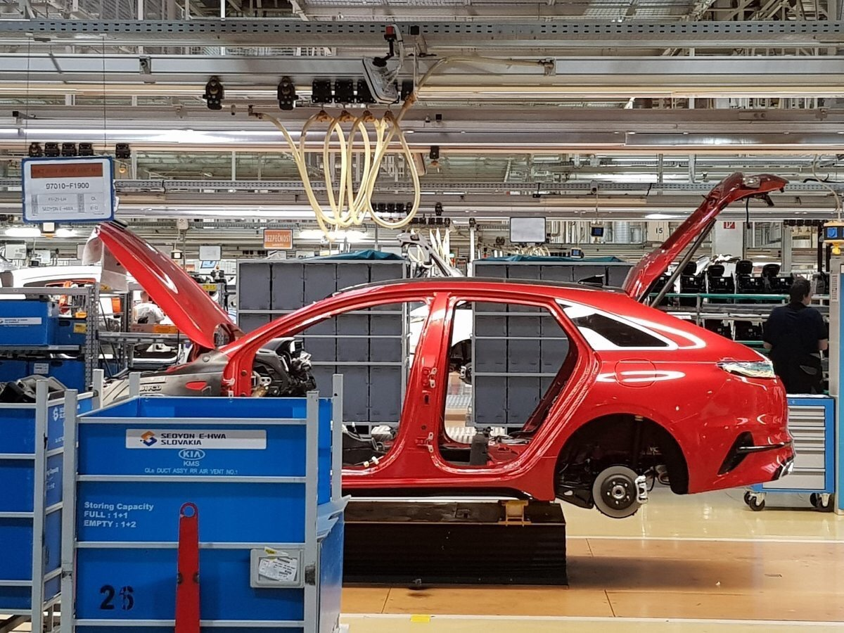 First Kia Proceed Hits Production for European Market