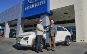 Hyundai NEXO First deliver (2)