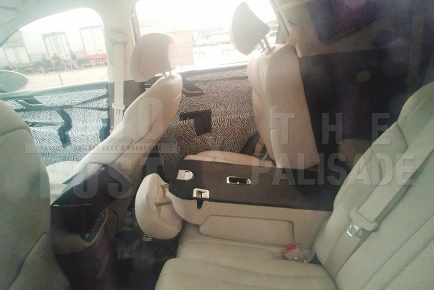 Genesis GV80 Caught, Shows Interior for the First Time