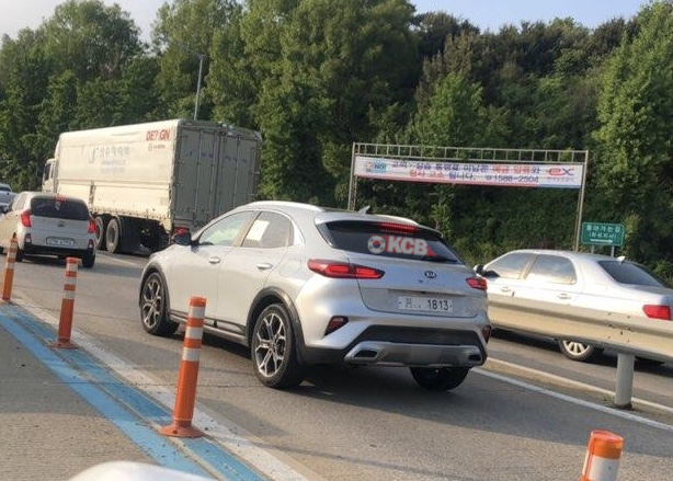 Kia XCeed Caught Undisguised, Now in South Korea