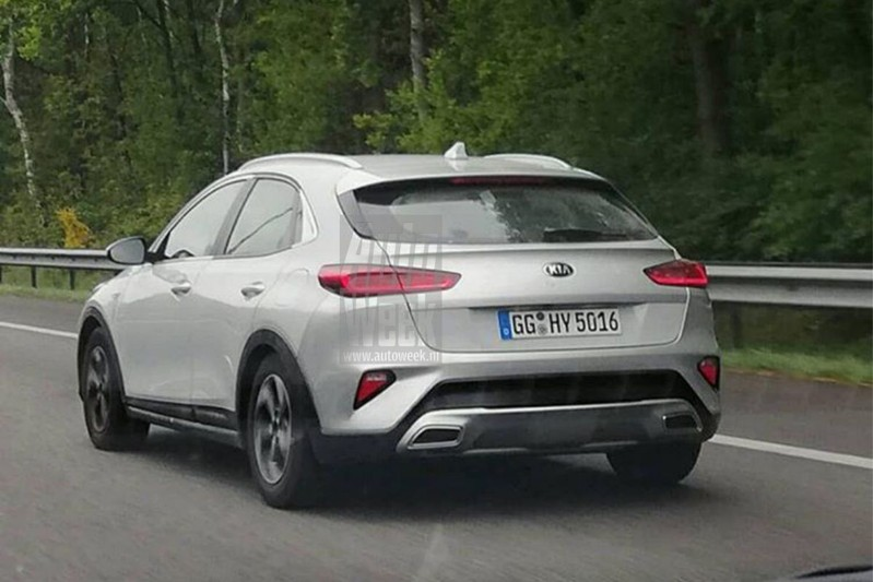 Kia XCEED Caught Undisguised in The Netherlands