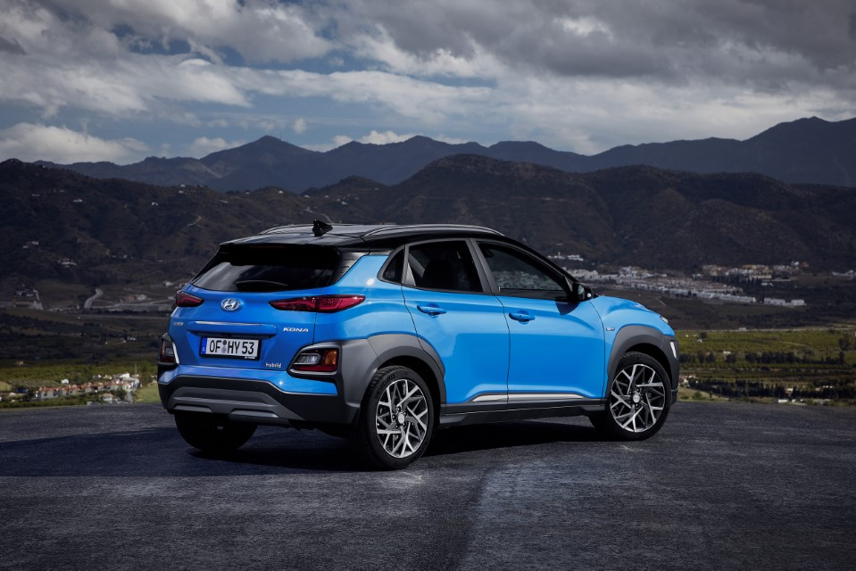 Hyundai Kona Hybrid Revealed in Europe
