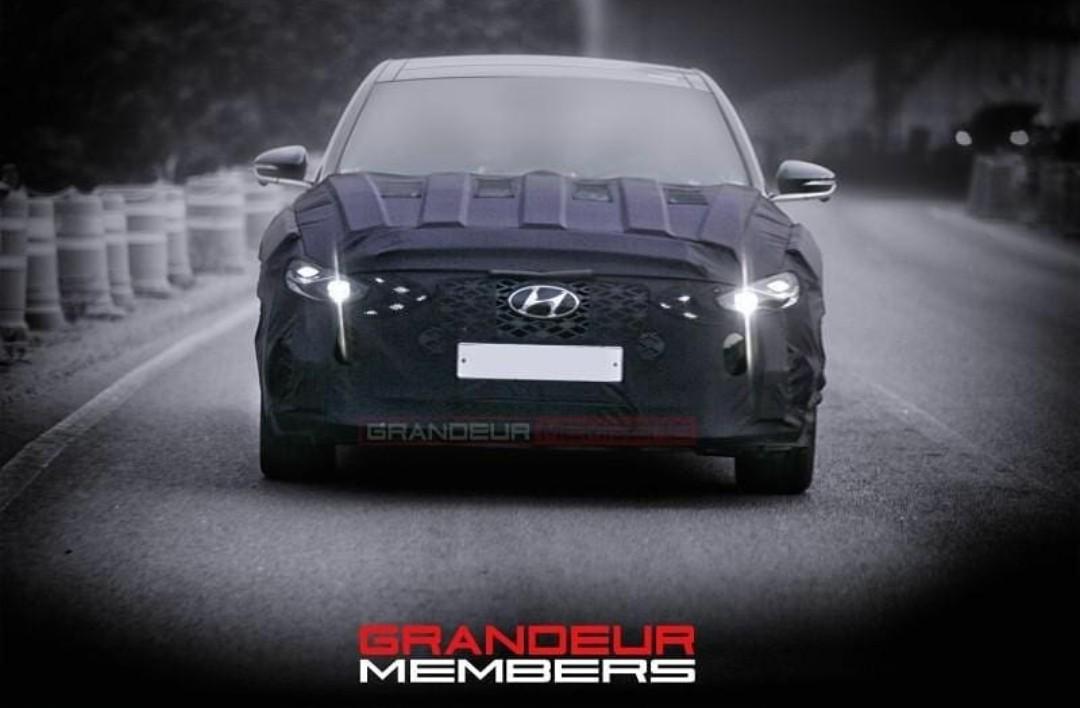 Hyundai Grandeur Spied w/ New LED DRL Signature