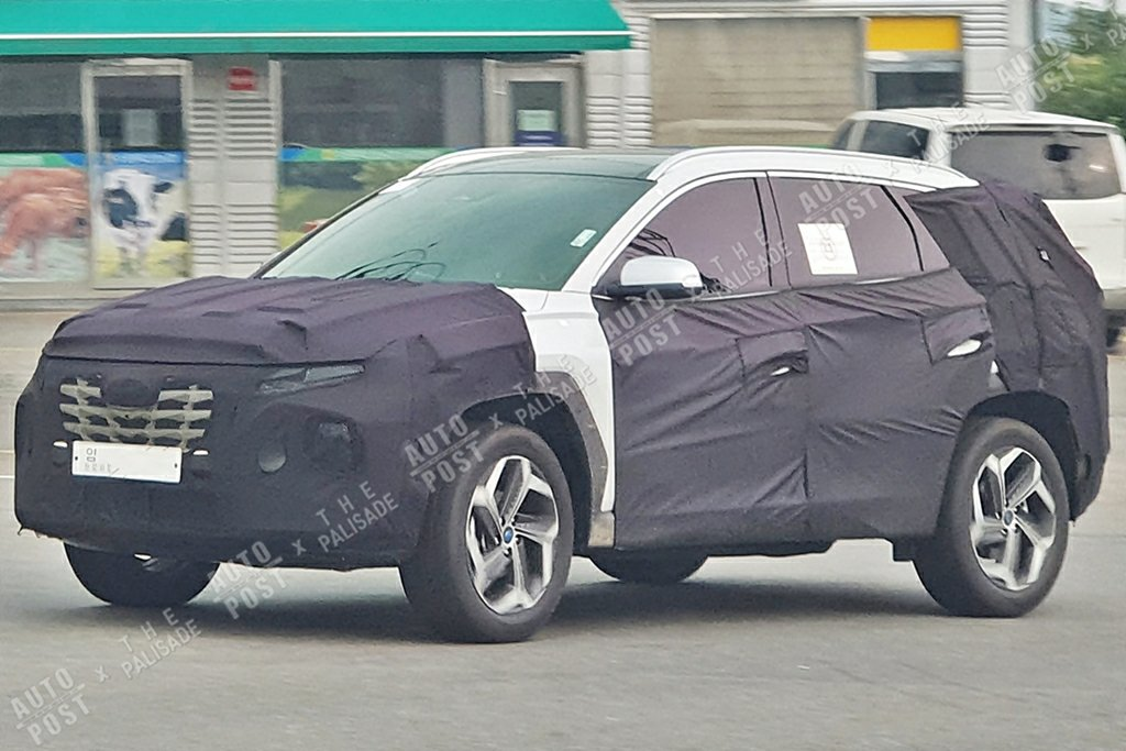 Next-gen Hyundai Tucson Caught During Test