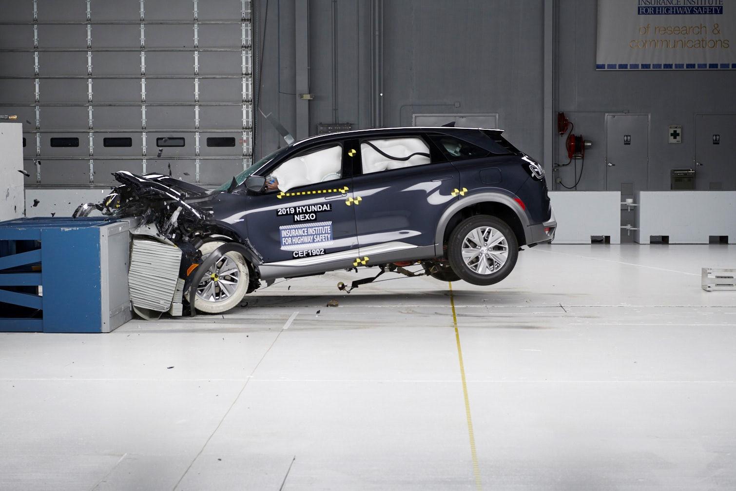 Hyundai NEXO Awarded w/ Top Safety Pick