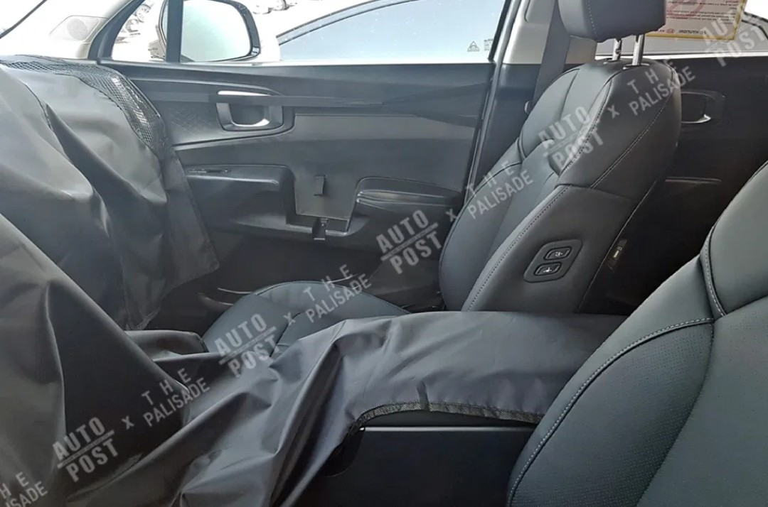 2021 kia sorento spied inside for the first time