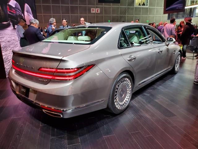 2020-genesis-g90-facelift-25