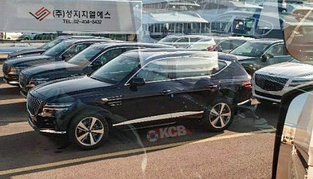Genesis GV80 Caught Undisguised in a Parking Lot