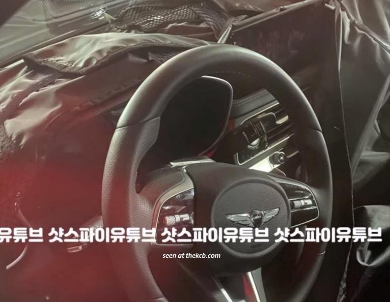 Genesis G70 Facelift Spied w/ Widescreen