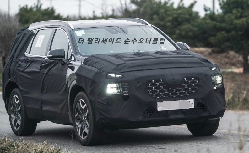 Hyundai Santa Fe Hybrid Spied In & Out
