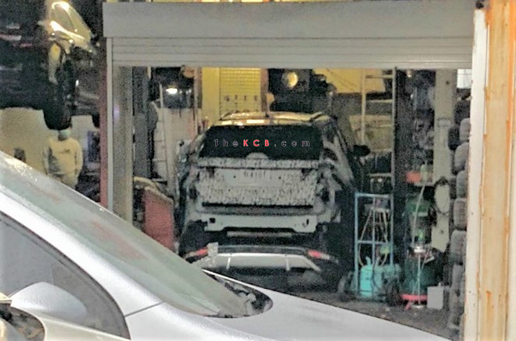 Hyundai Tucson Prototype Caught in a Pit Stop