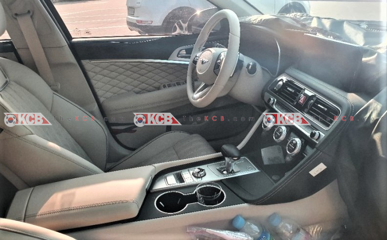 Check Genesis G70 Facelift Interior