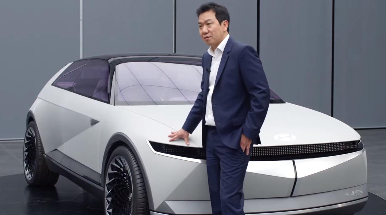 Hyundai 45 Walk-Around Video with SangYup Lee