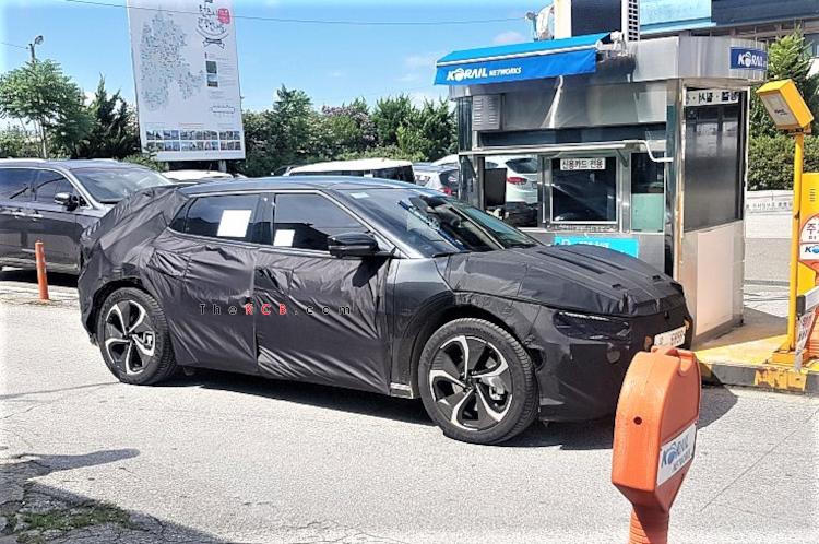 E-GMP Based Kia EV SUV Spied Again