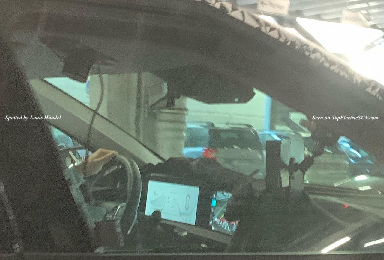 Kia-CV-interior-spy-shot