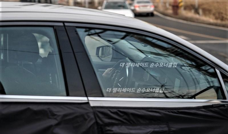All-New Kia K8 Interior Spied