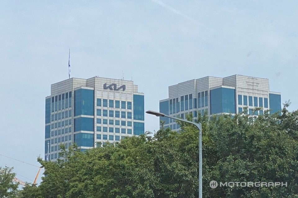 Hyundai's Logo Disappeared From HQ, Will Change It?