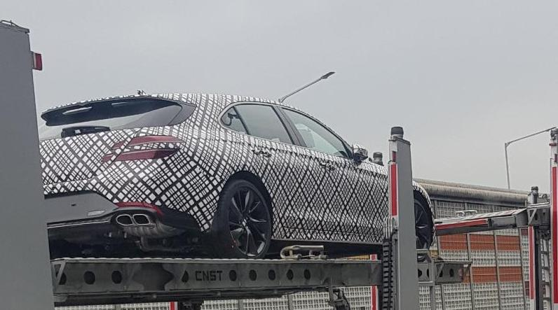 Genesis G70 Shooting Brake Spied Showing its Proportions