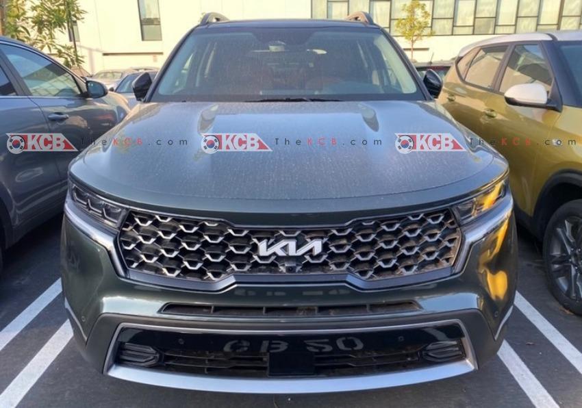 US-Spec 2022 Kia Sorento Spotted with New Logo